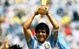 dünyanın en iyi 10 futbolcusu Diego Armando Maradona